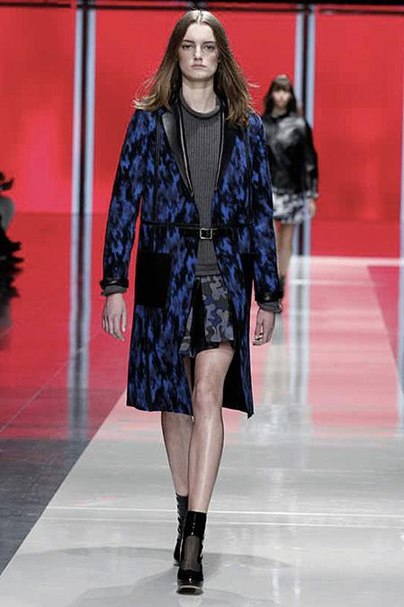 images/cast/10151238628037035=Fall 2013_14 COLOUR'S COMPANY fabrics x=christopher kane london